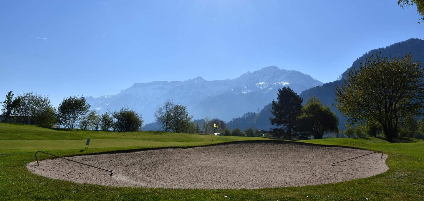 Golf at the lake of Thun